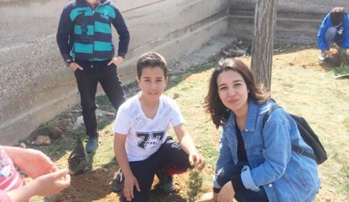 Afşin'de Bir Öğrencinin Girişimiyle 470 Fidan Hayat Buldu!